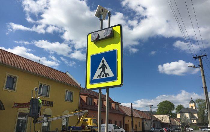 solárne LED výstražné svetlá v boxe 201 Zvolenská Slatina