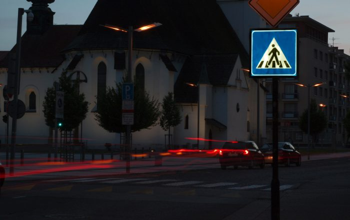 Podsvietená LED zvislá dopravná značka IP6 ul. Divadelná 3