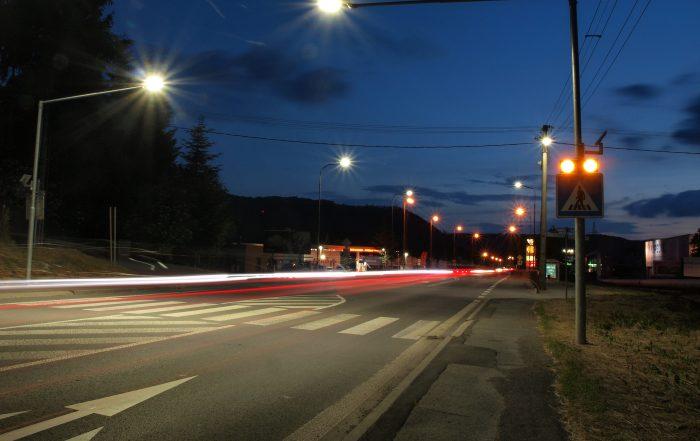 solárne LED výstražné svetlá v boxe 201 ul. Lučenská cesta 3