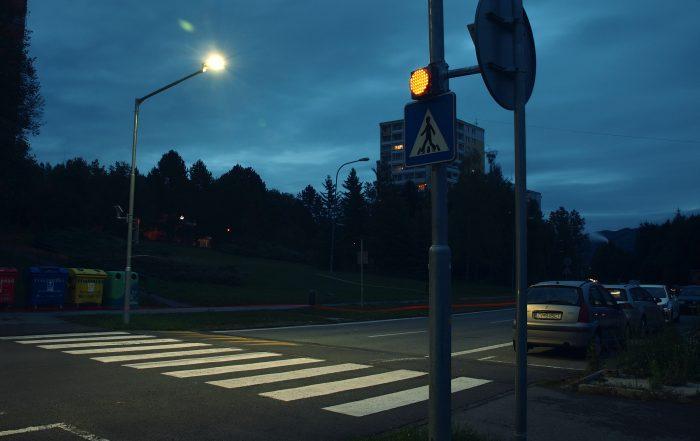 solárne LED výstražné svetlo v boxe 201 ul. A. Hlinku 2