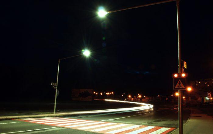Inteligentný priechod pre chodcov 102 nočná fotografia druhé prevedenie