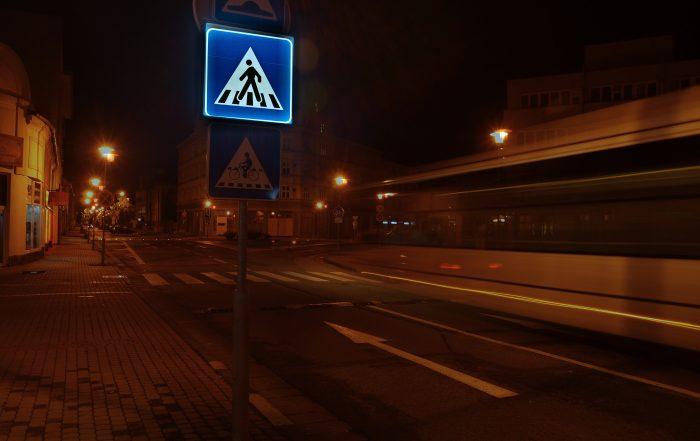 Podsvietená LED zvislá dopravná značka IP6