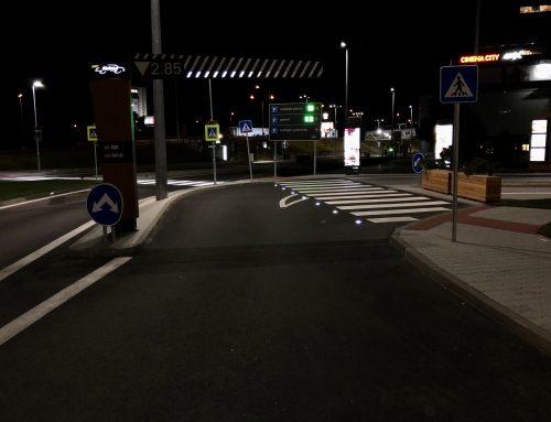 Solárne LED gombíky TL – SLC10 v meste Bratislava, Aupark – McDonald's