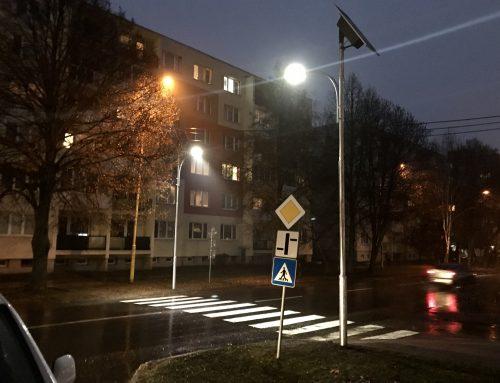 Solárne osvetlenie priechodu pre chodcov v meste Trebišov